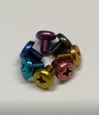 三価カラーメッキ赤・青・黄・緑・紺・金・水色・紫・灰色・茶色 など
